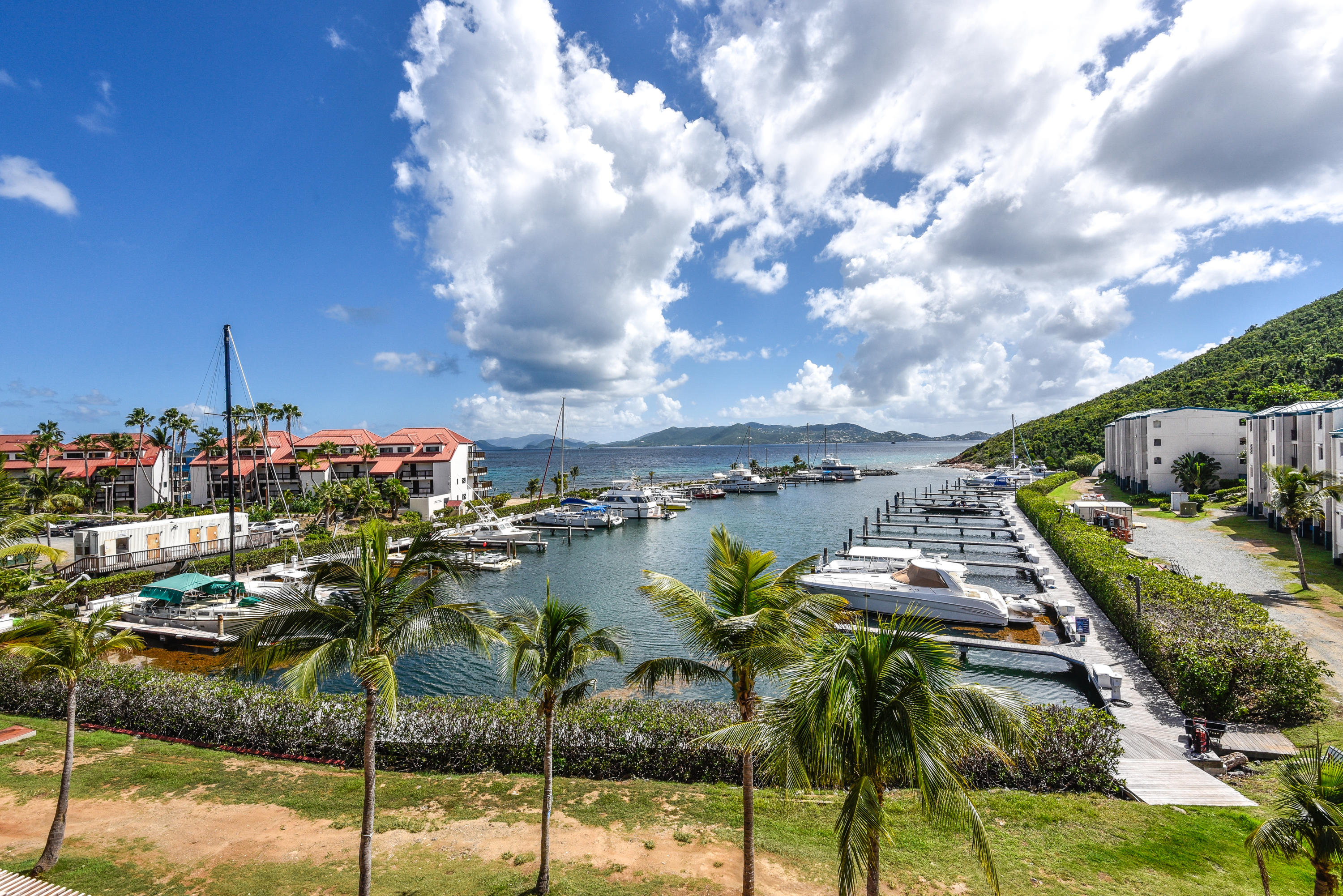 Additional photo for property listing at Sapphire Beach Resort & Marina 110 Smith Bay EE Sapphire Beach Resort & Marina 110 Smith Bay EE St Thomas, Virgin Islands 00802 United States Virgin Islands