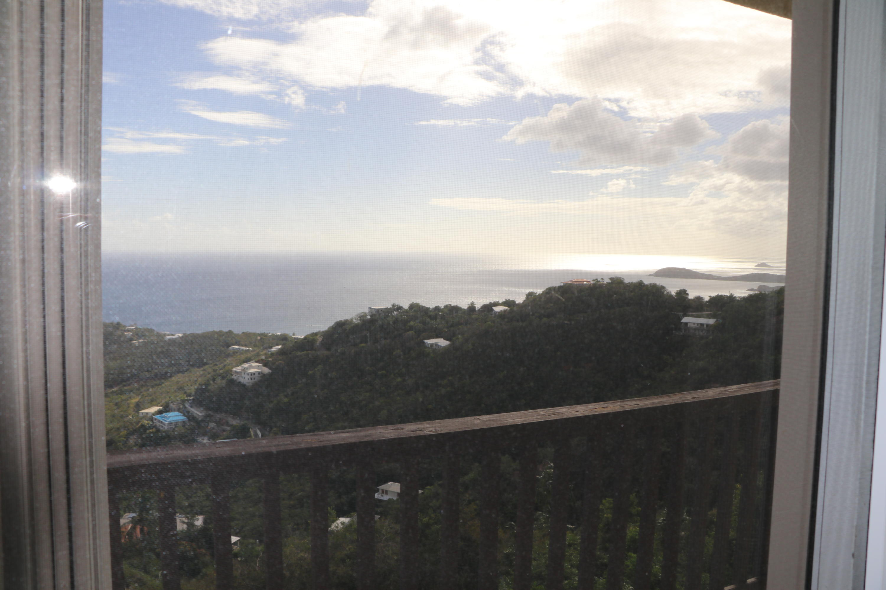 Additional photo for property listing at Frenchman's Heights A-4 Frenchman Bay FB Frenchman's Heights A-4 Frenchman Bay FB St Thomas, Virgin Islands 00802 United States Virgin Islands