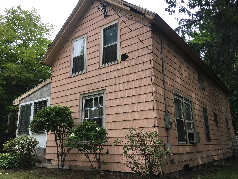 10 Woodlawn Avenue, Glens Falls NY 12801 photo 1
