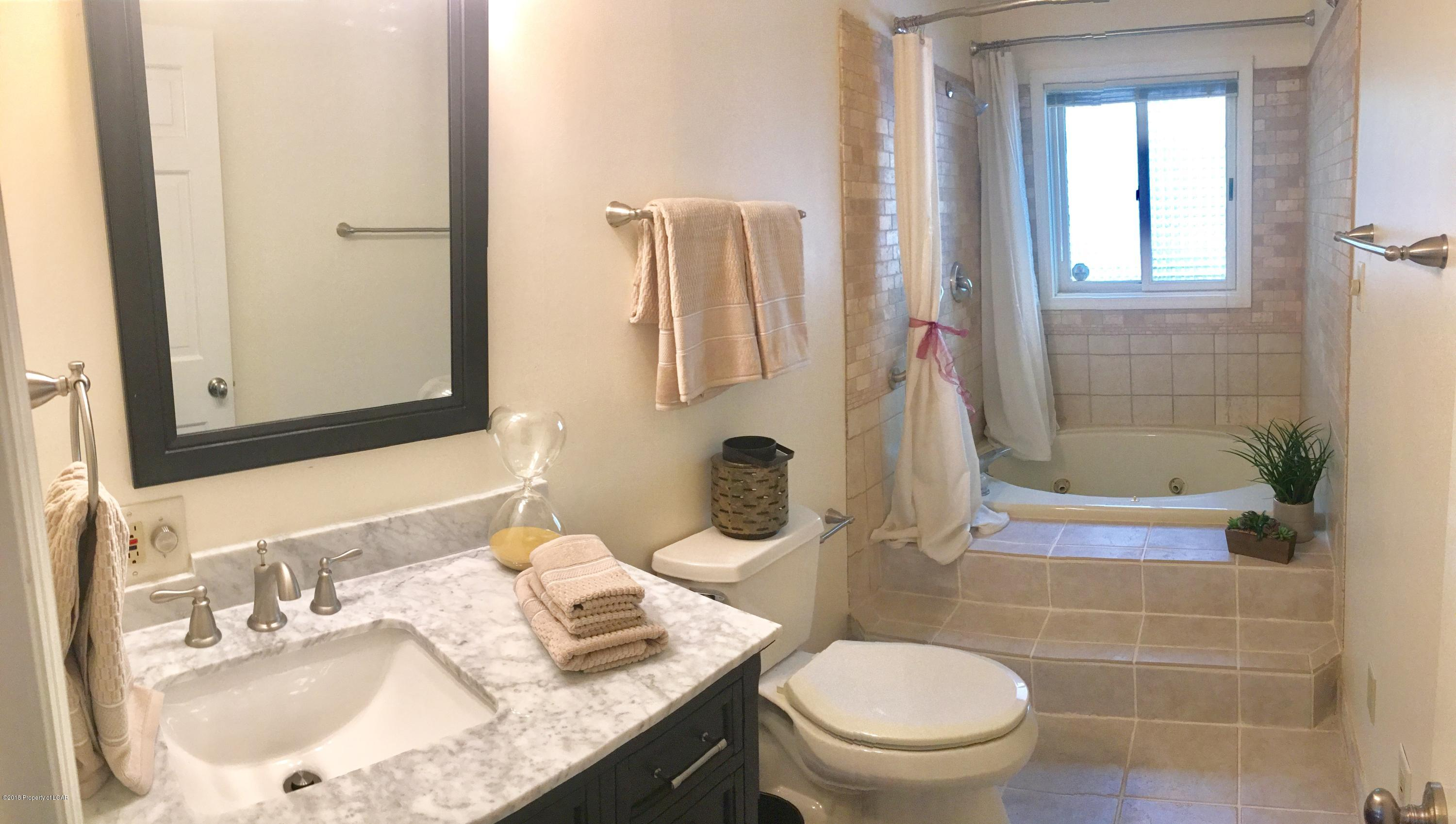 Newly Renovated 2nd Bath