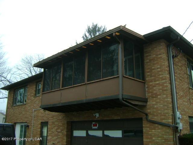 Queen Row Homes Valley bi levels 026
