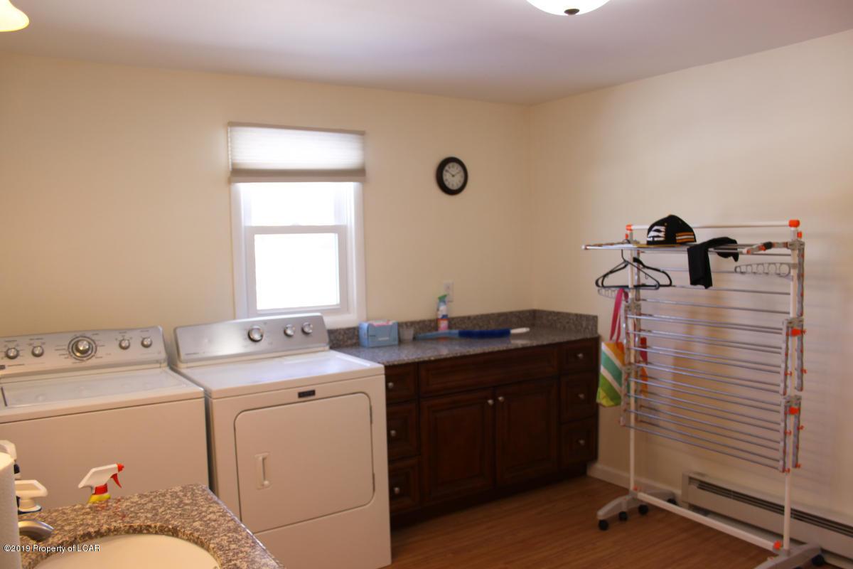 1/2 Bath & Laundry