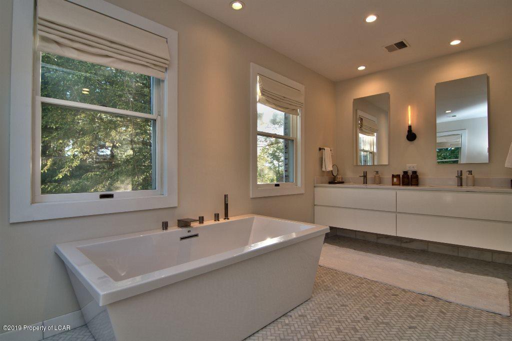 Master bathroom with stunning tub & tile