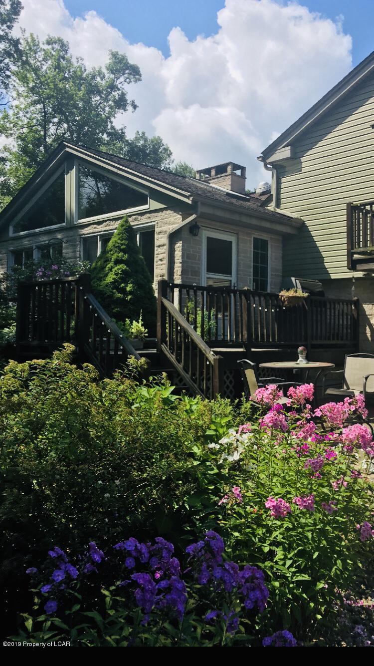 Bear Creek Pa >> Home For Sale At 1015 Fairway Drive 1iuf66kzi7yf In Bear