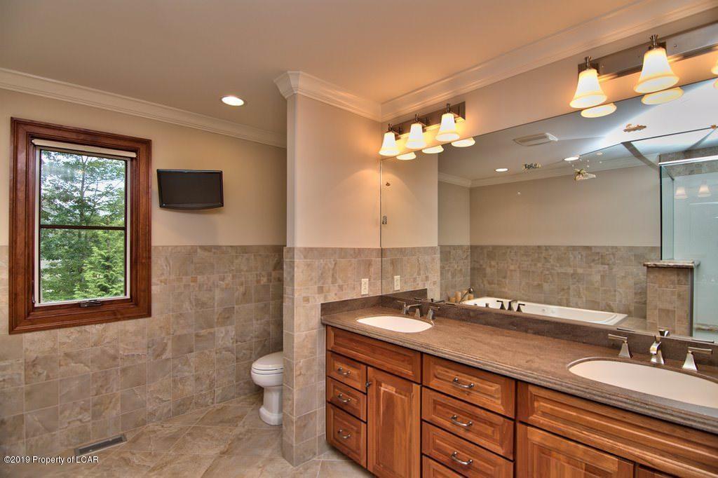 q 2nd Floor Master Bath