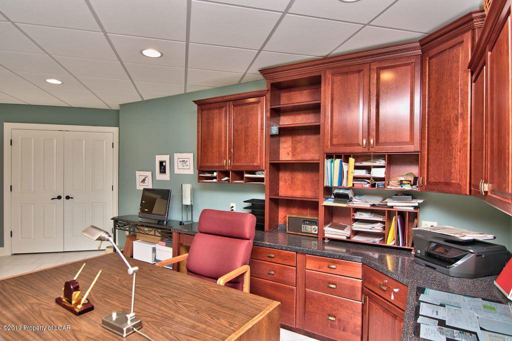 LL Office Built-Ins