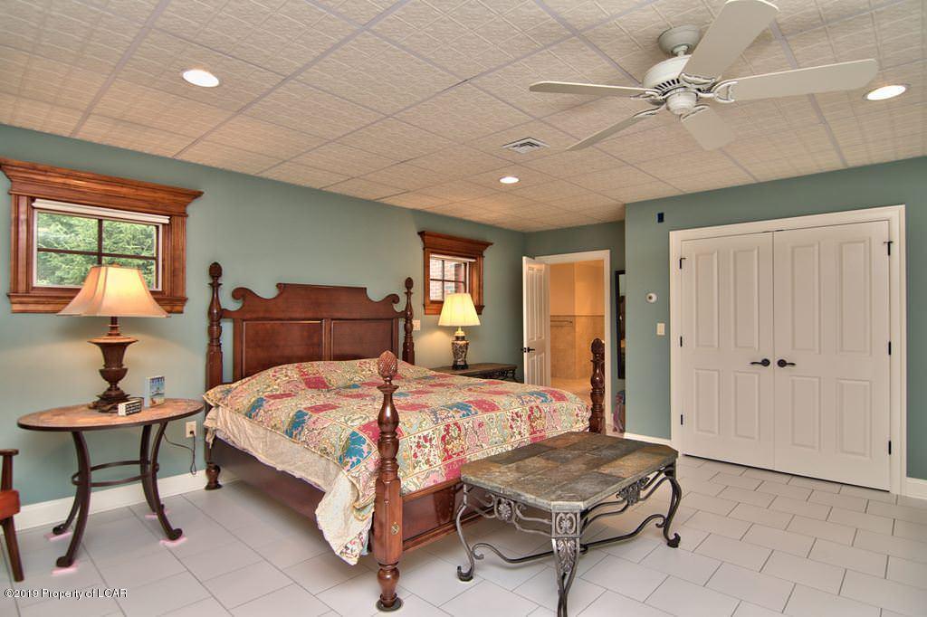 LL Bedroom 4