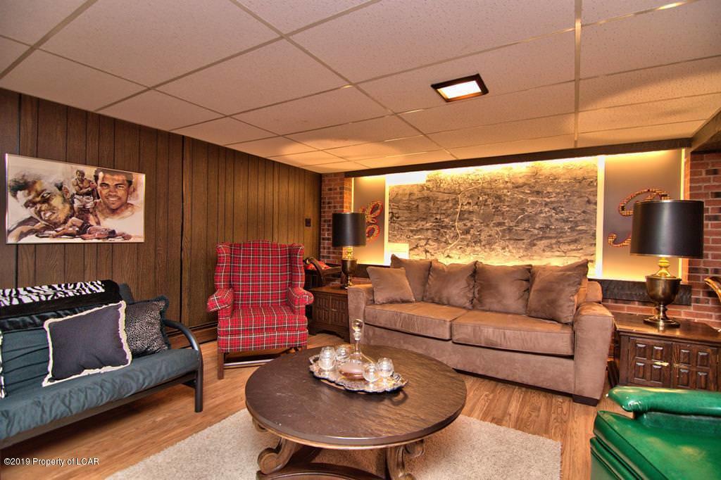 Fin LL Rec Room