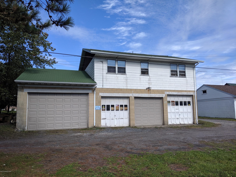 Detached Garage/Apartment