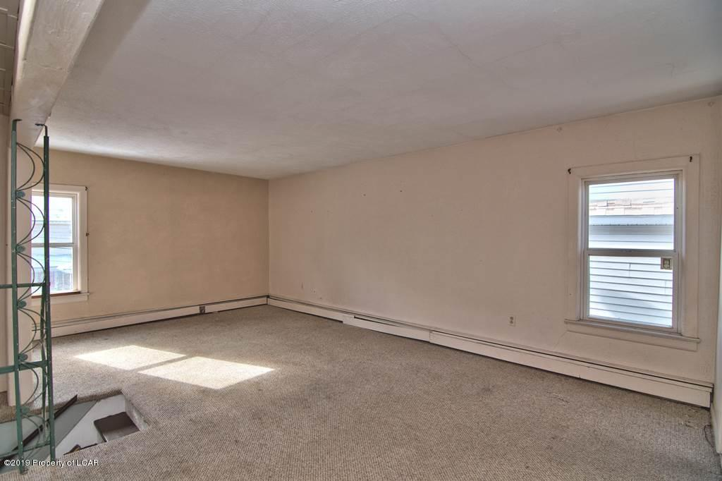 2nd Floor Family Room