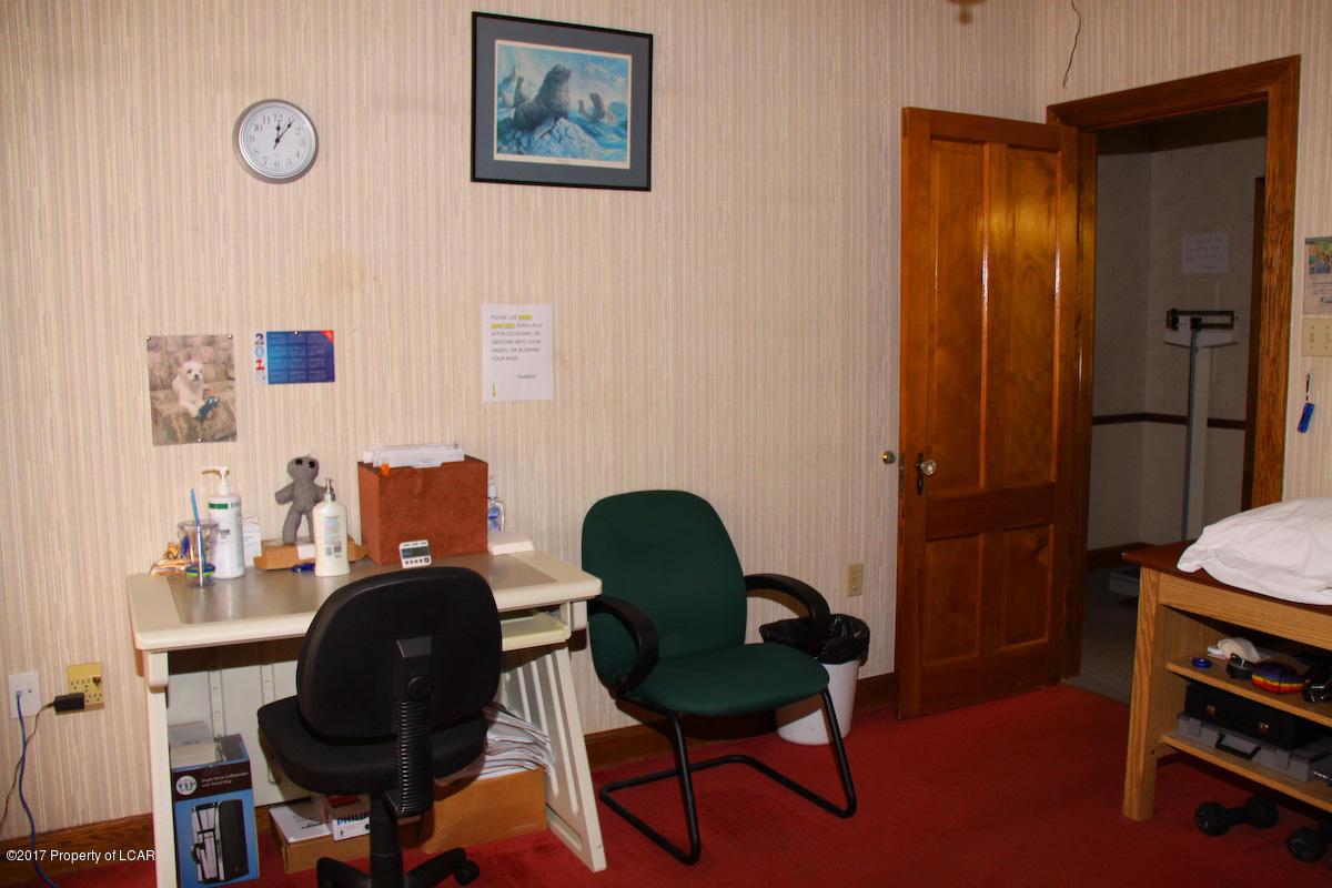 grand office