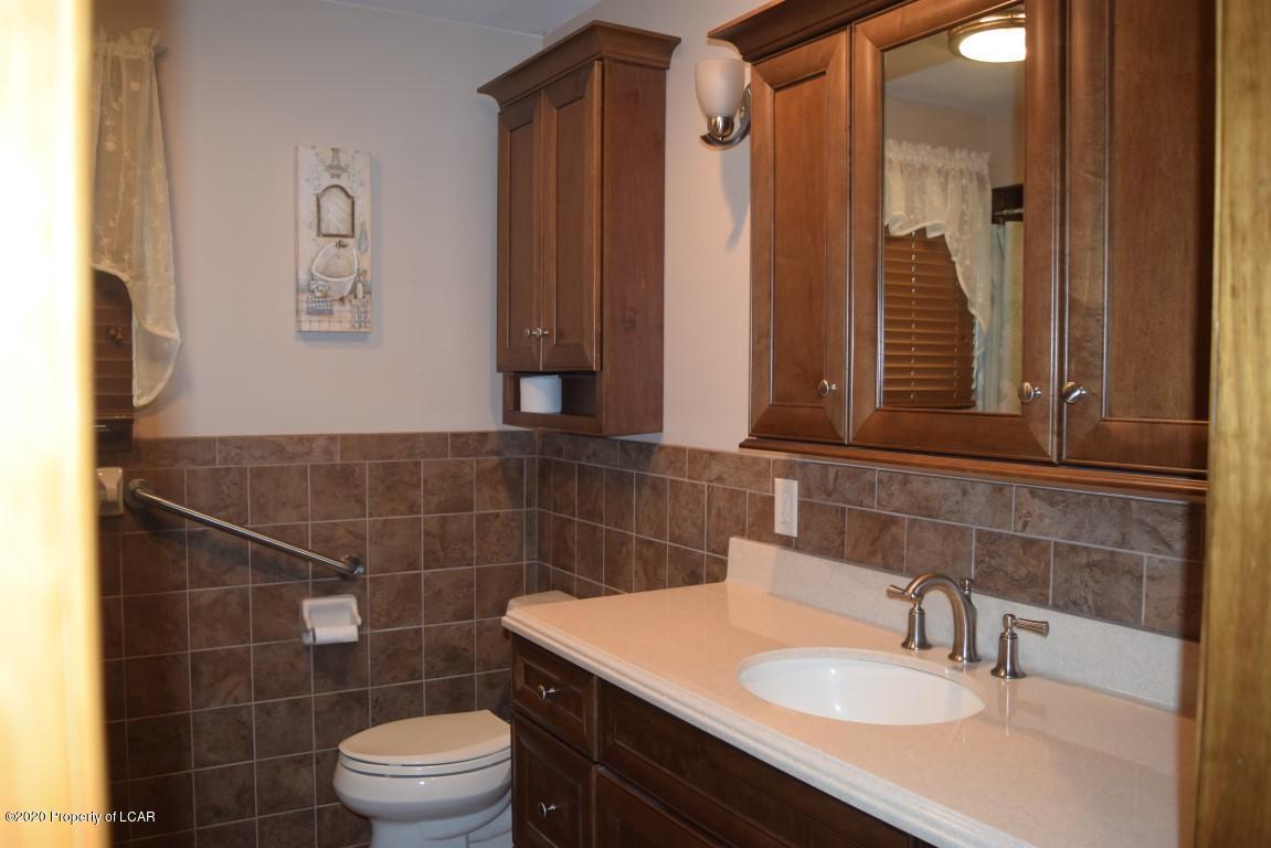 Main Bathroom View 1