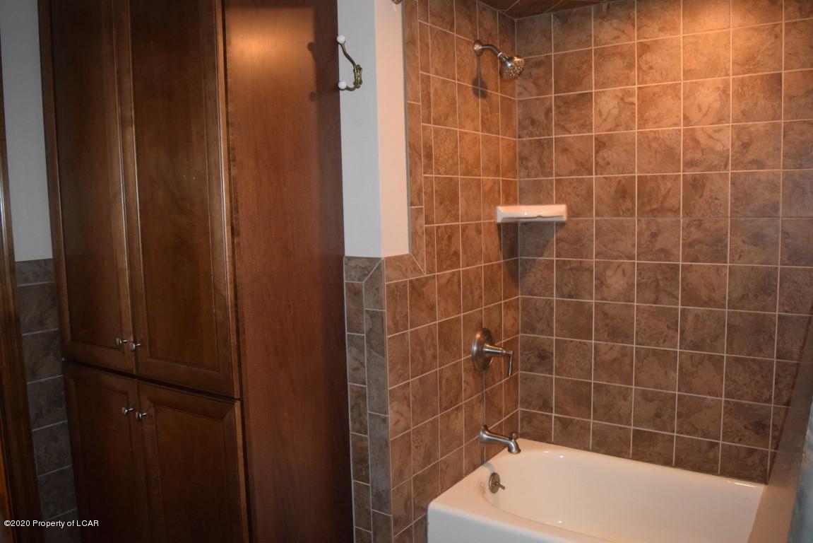 Main Bathroom View 3