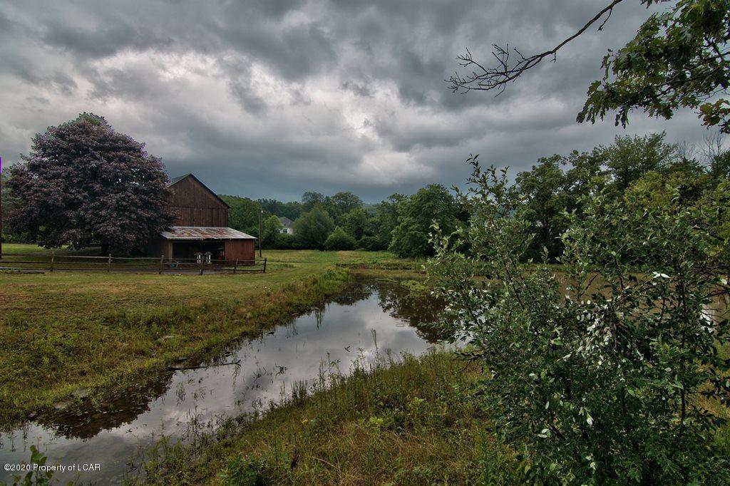 Barn & Pond