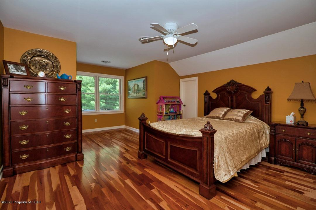 Timber Grove Bedroom 3