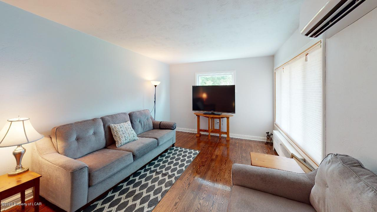 150-Idetown-Rd-Dallas-Living-Room