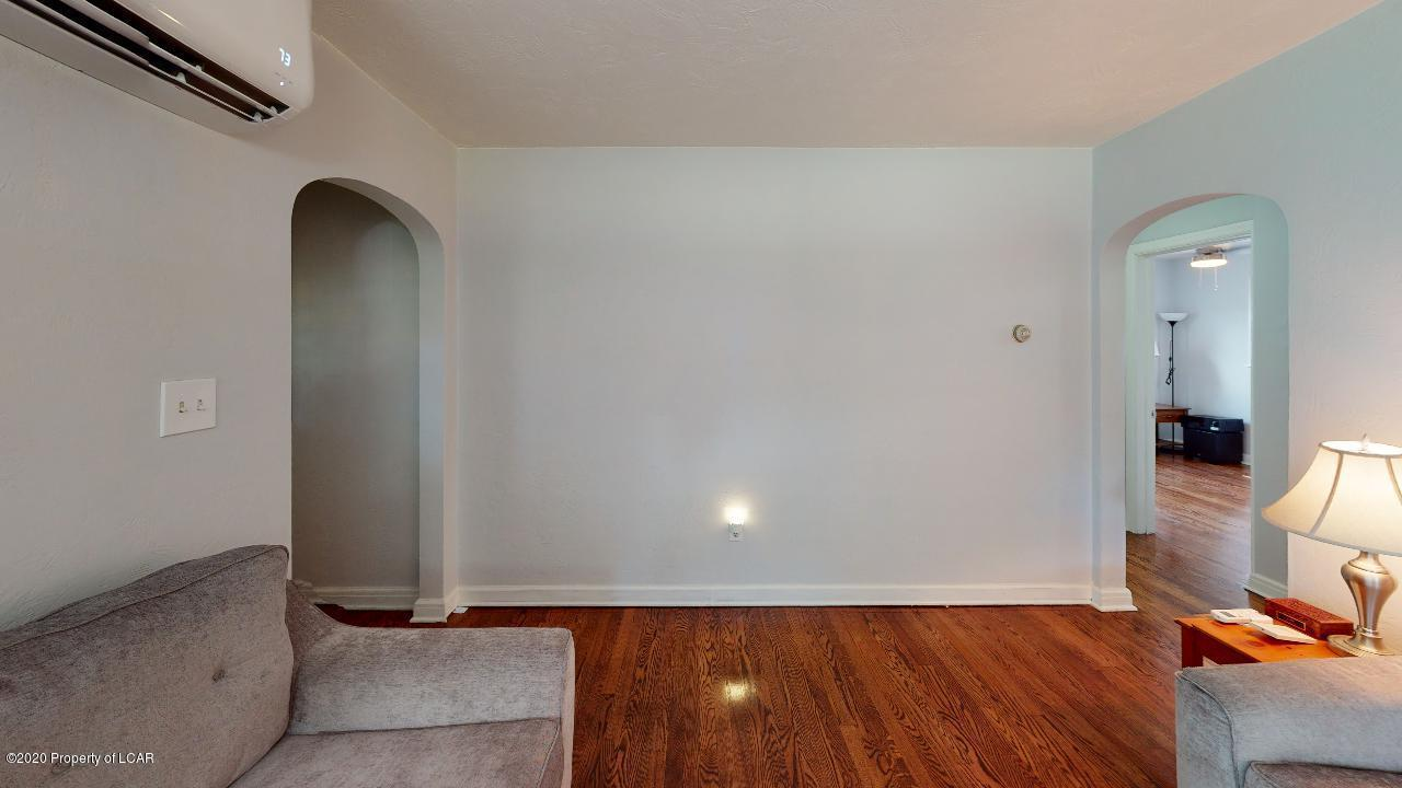150-Idetown-Rd-Dallas-Living-Room(1)