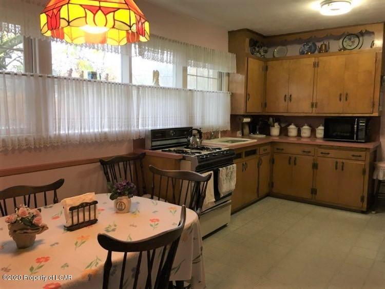 29 Water St kitchen