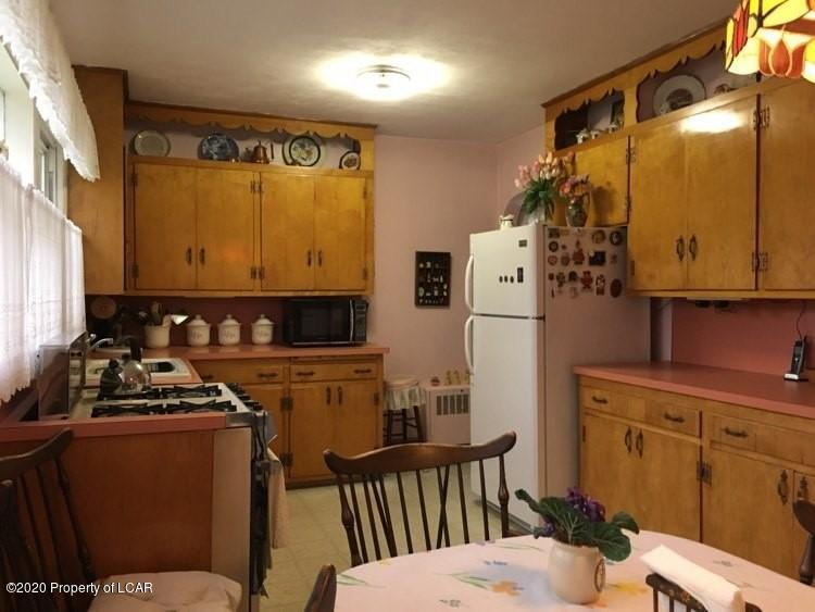 29 Water St kitchen 2