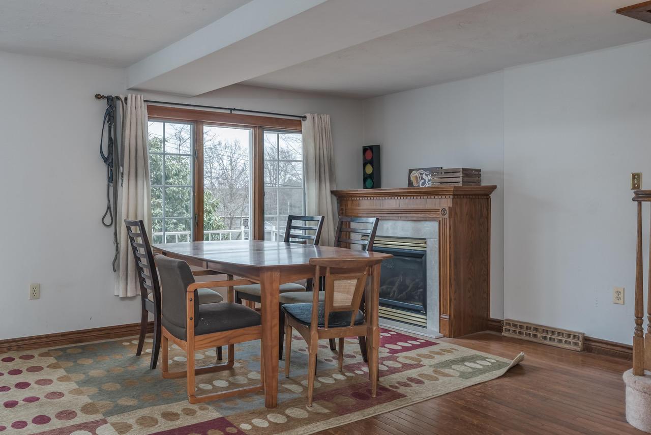 Liv Room- Propane Fireplace