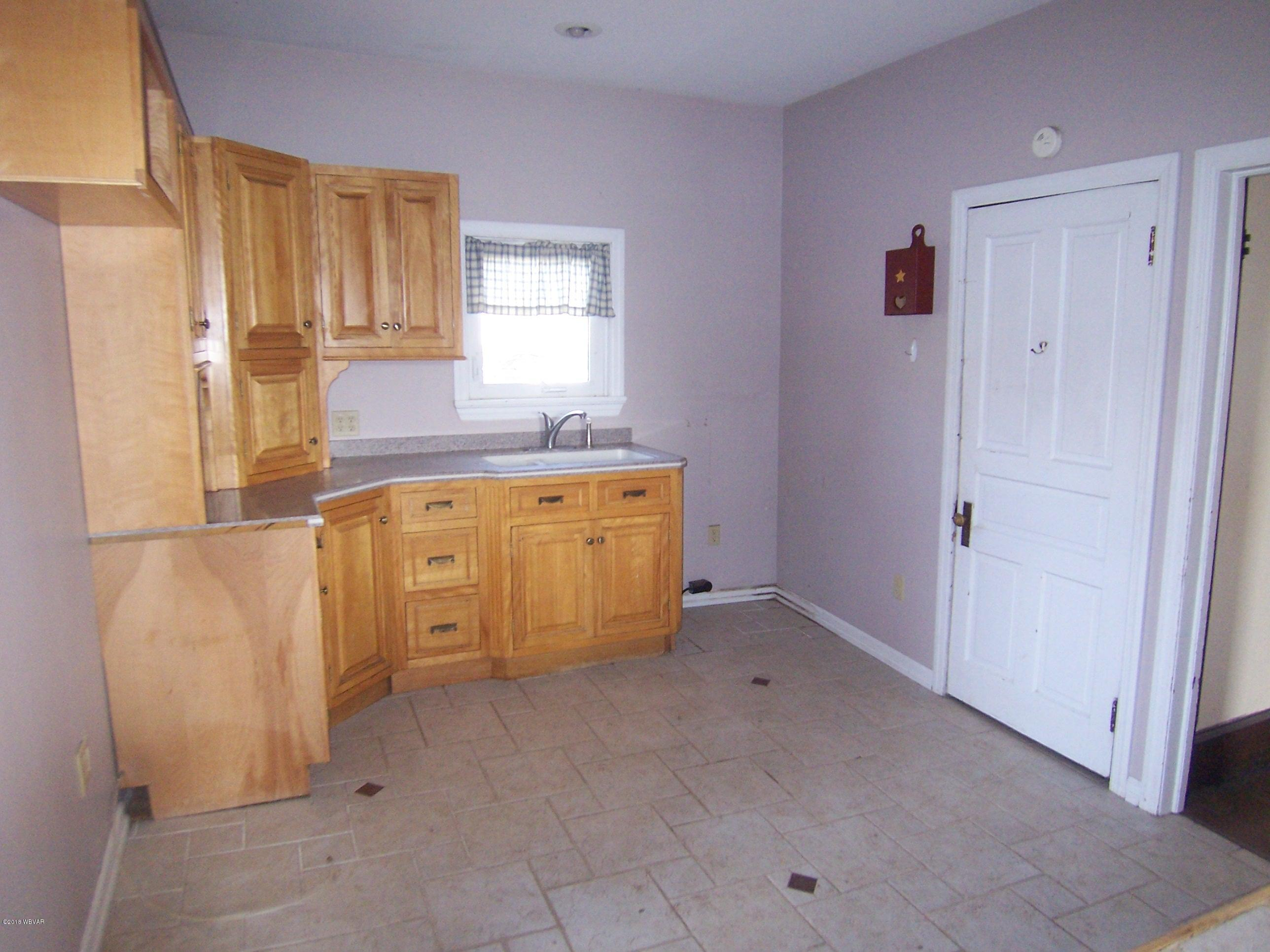 1079 SIXTH AVENUE, Jersey Shore, PA 17740, 3 Bedrooms Bedrooms, ,1 BathroomBathrooms,Residential,For sale,SIXTH,WB-83864