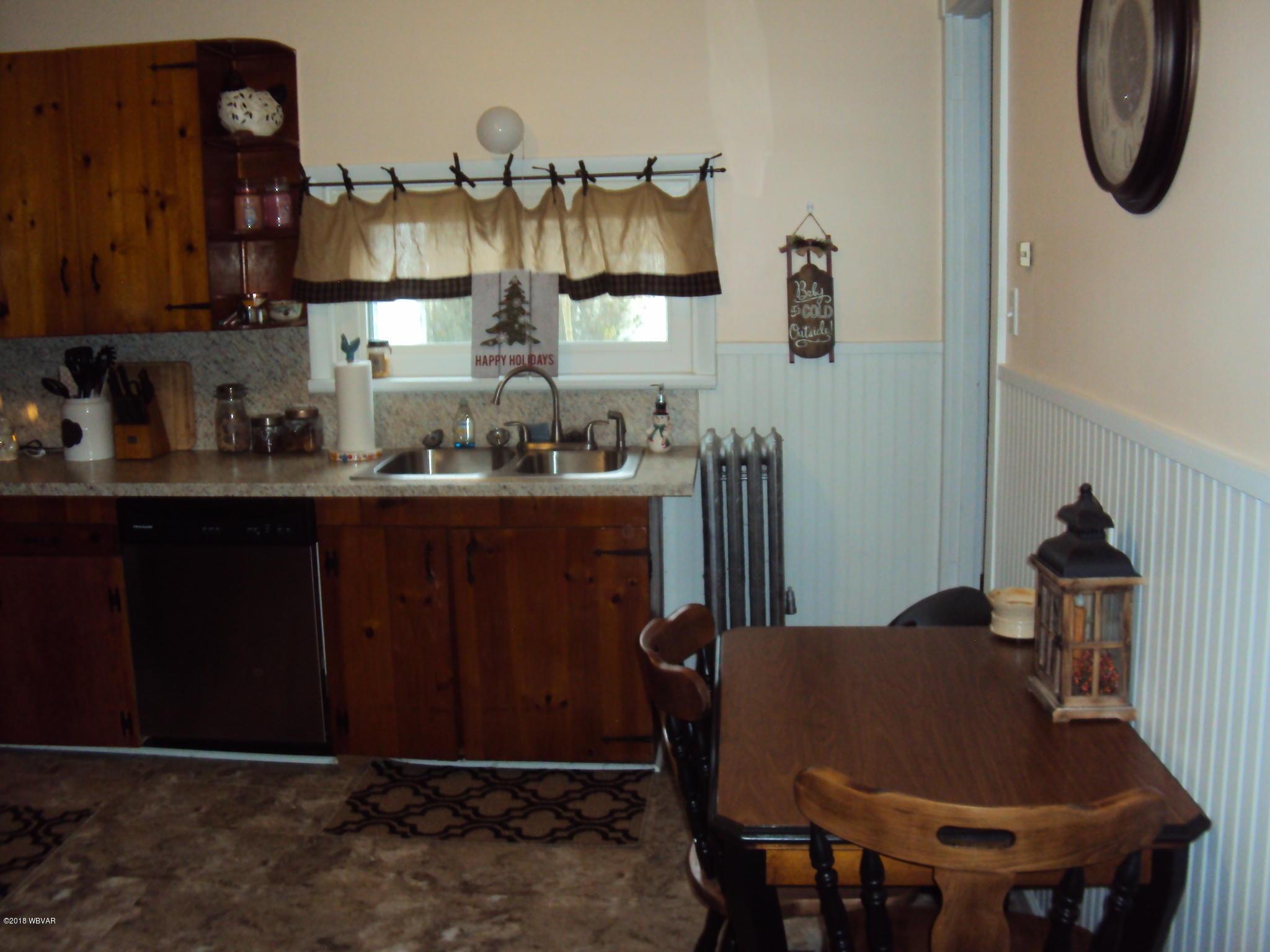25 MAPLE STREET,Lock Haven,PA 17745,2 Bedrooms Bedrooms,1 BathroomBathrooms,Residential,MAPLE,WB-86008