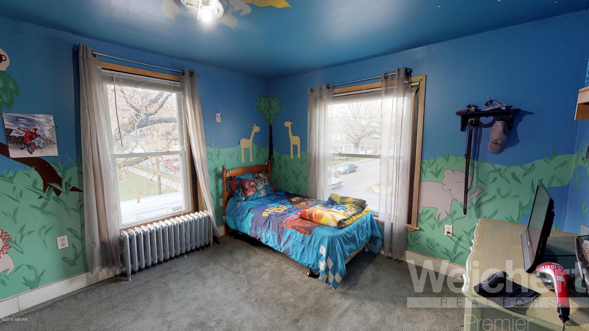 1929 MEMORIAL AVENUE,Williamsport,PA 17701,3 Bedrooms Bedrooms,2 BathroomsBathrooms,Residential,MEMORIAL,WB-86012
