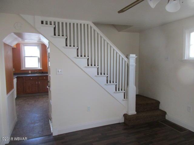 819 FRANKLIN STREET,Williamsport,PA 17701,3 Bedrooms Bedrooms,2 BathroomsBathrooms,Residential,FRANKLIN,WB-86016