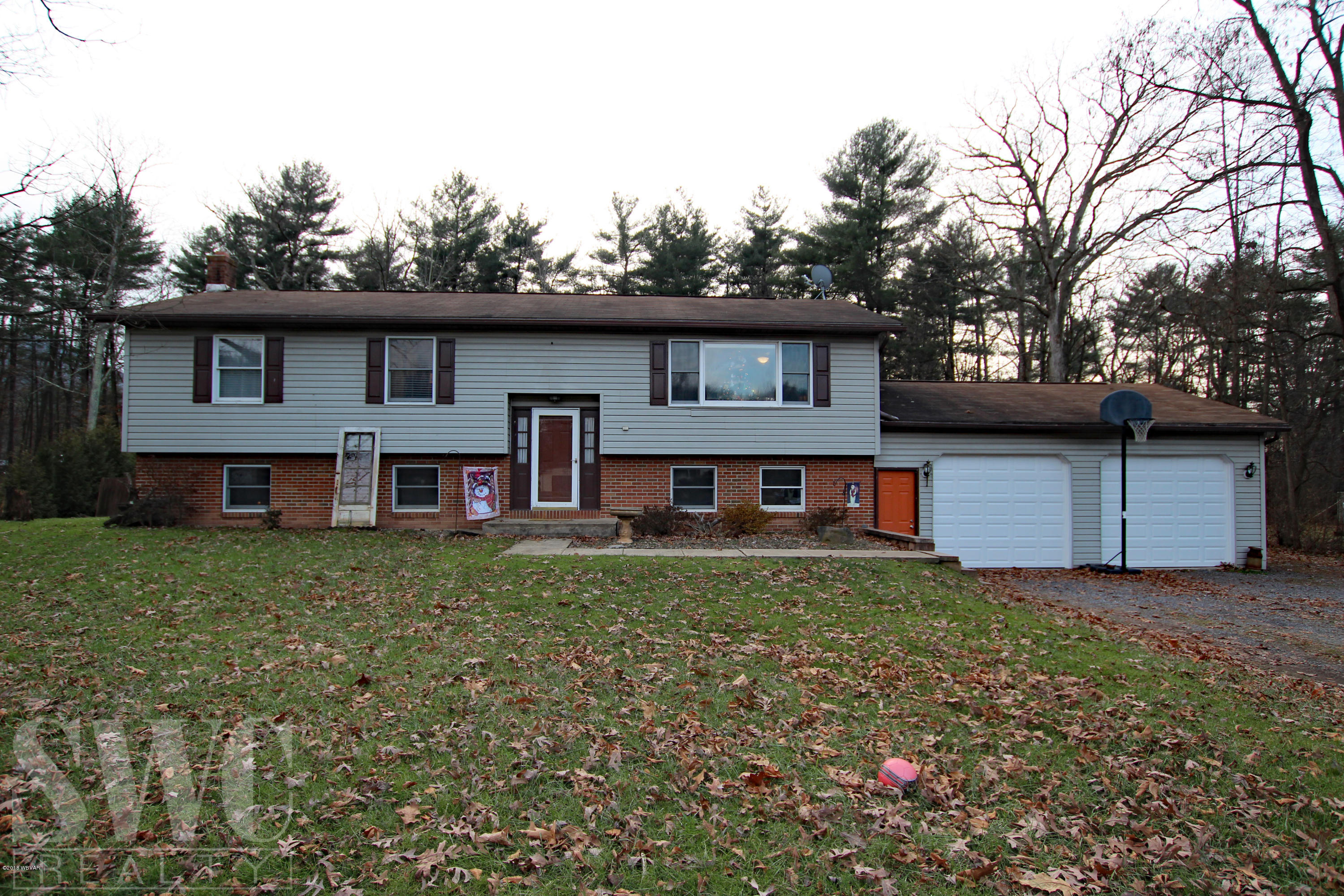 127 HAVEN PINES ROAD,Mill Hall,PA 17751,3 Bedrooms Bedrooms,1 BathroomBathrooms,Residential,HAVEN PINES,WB-86062