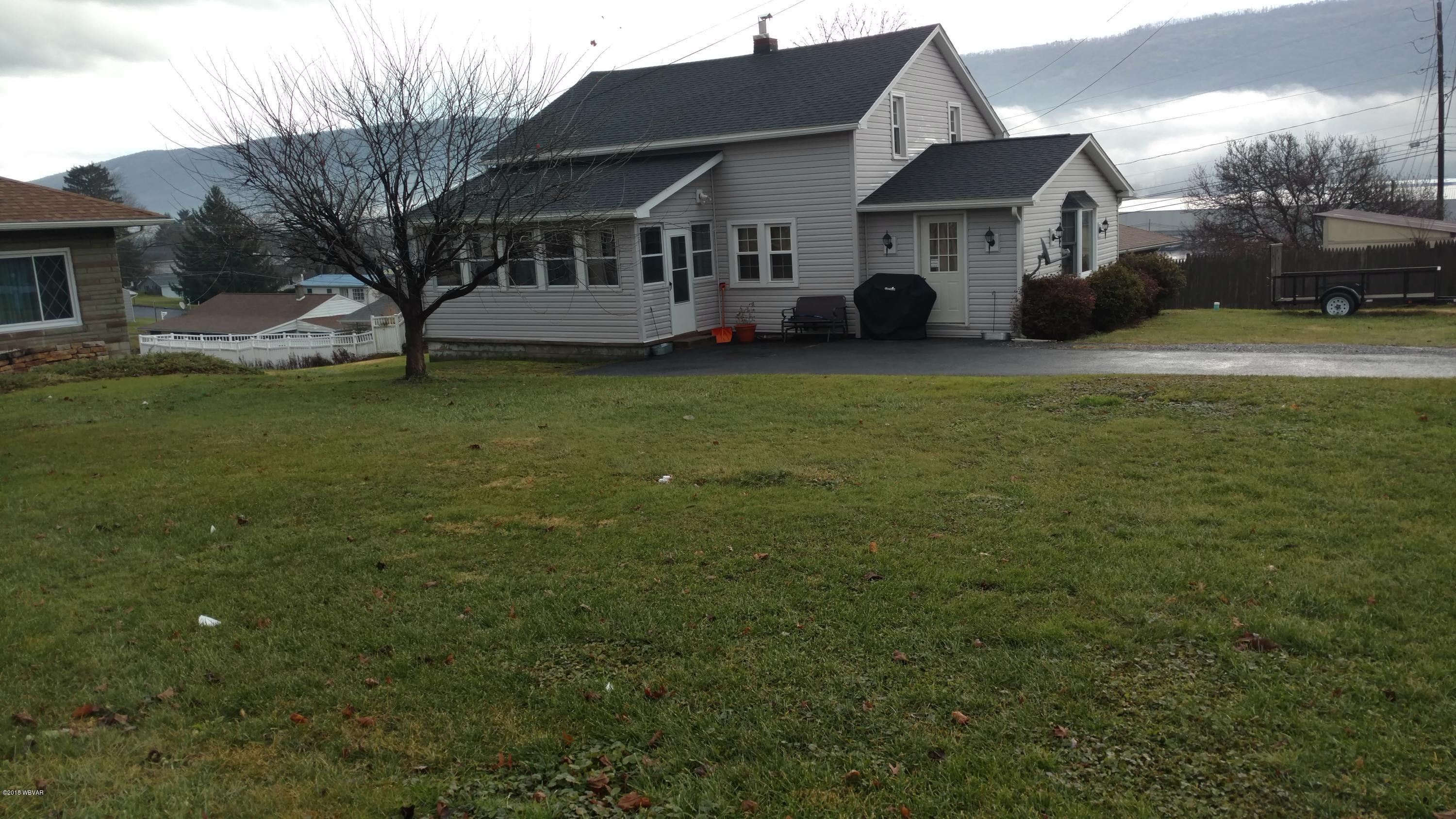 330 SECOND AVENUE,Lock Haven,PA 17745,4 Bedrooms Bedrooms,2 BathroomsBathrooms,Residential,SECOND,WB-86098
