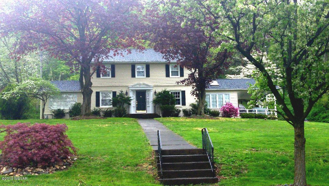 333 LUNDY DRIVE,Williamsport,PA 17701,3 Bedrooms Bedrooms,3 BathroomsBathrooms,Residential,LUNDY,WB-86156