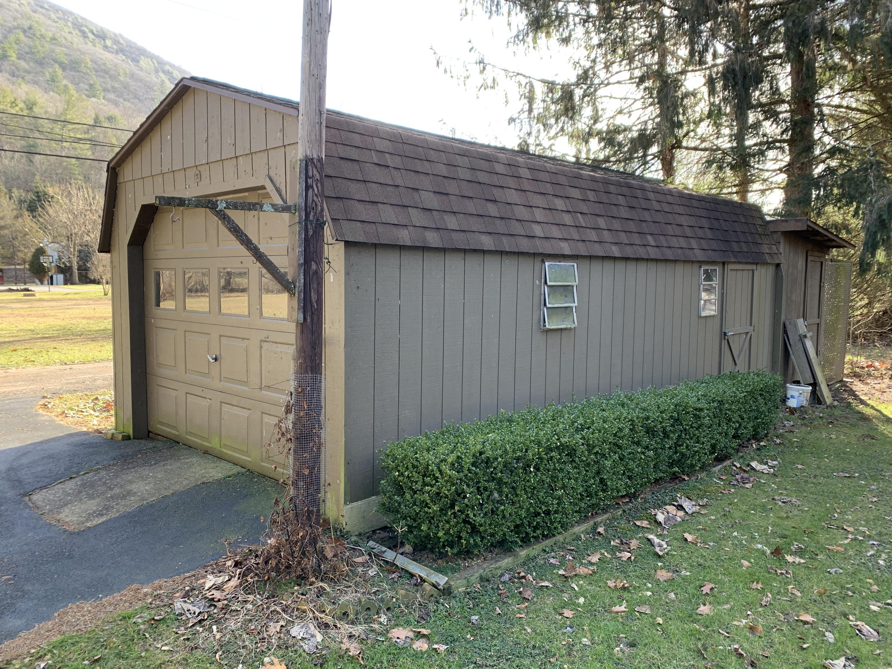 97 BIERLY DRIVE,Waterville,PA 17776,4 Bedrooms Bedrooms,3 BathroomsBathrooms,Residential,BIERLY,WB-86203