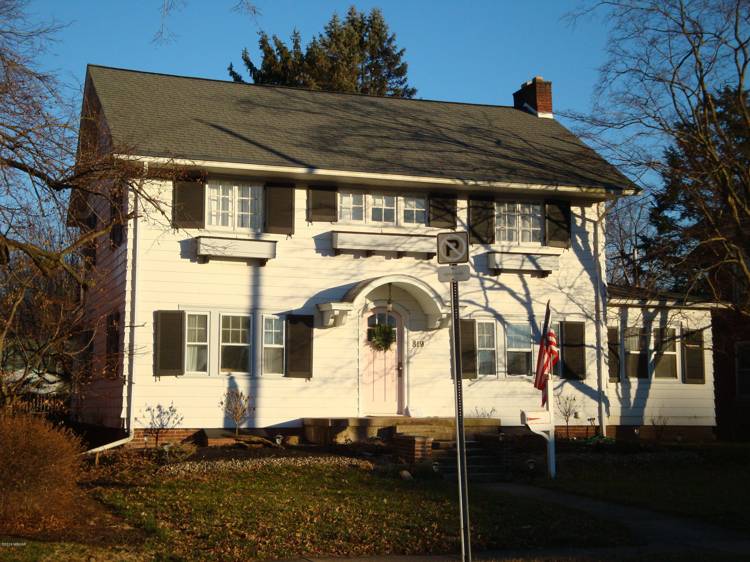 819 FRONT STREET,Milton,PA 17847,4 Bedrooms Bedrooms,2 BathroomsBathrooms,Residential,FRONT,WB-86216
