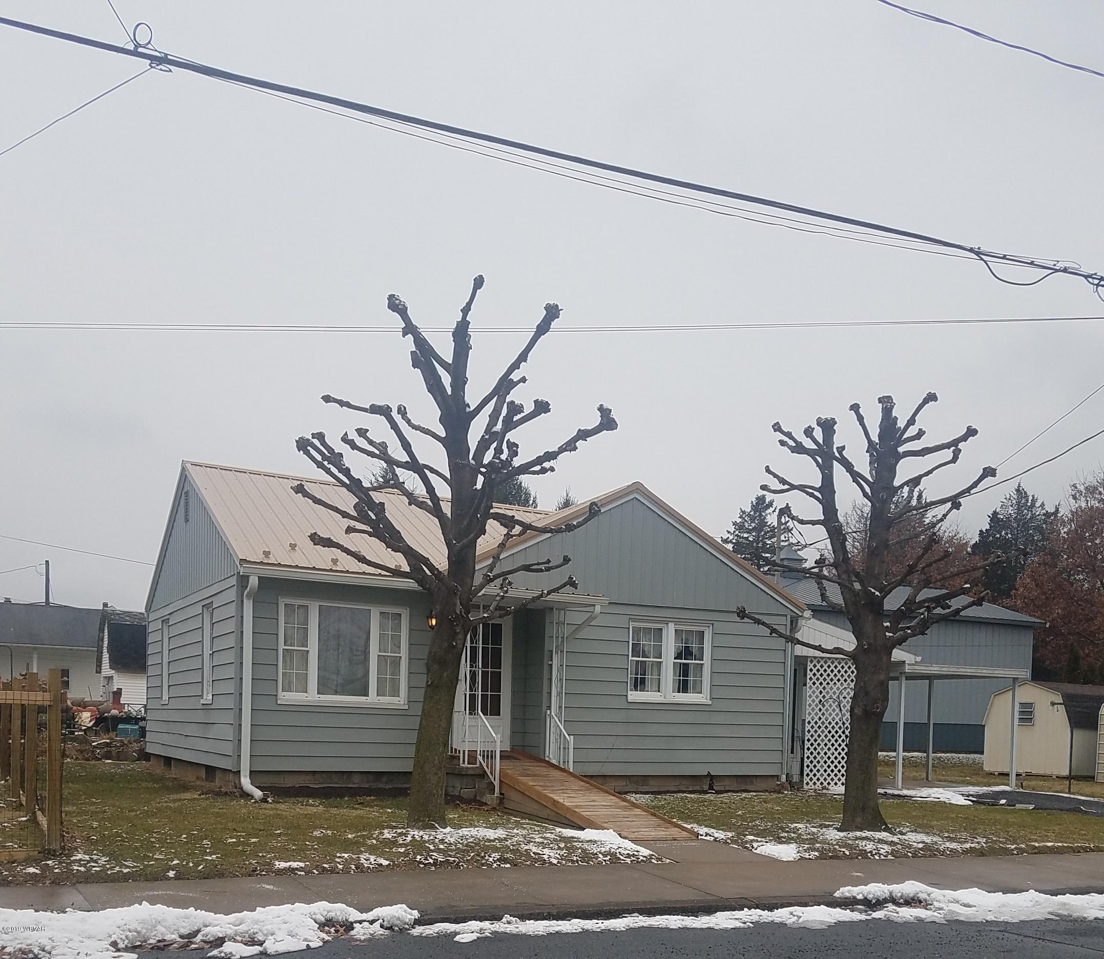 230 SPRUCE STREET,Jersey Shore,PA 17740,2 Bedrooms Bedrooms,1 BathroomBathrooms,Residential,SPRUCE,WB-86409