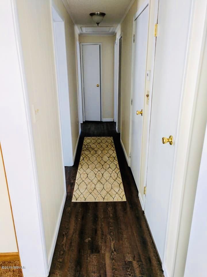 252 GRIMESVILLE ROAD,Williamsport,PA 17701,3 Bedrooms Bedrooms,1 BathroomBathrooms,Residential,GRIMESVILLE,WB-85589