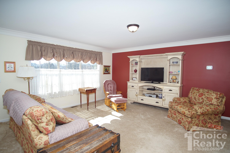 1212 CREEKSIDE LANE,Jersey Shore,PA 17740,3 Bedrooms Bedrooms,2 BathroomsBathrooms,Residential,CREEKSIDE,WB-86614