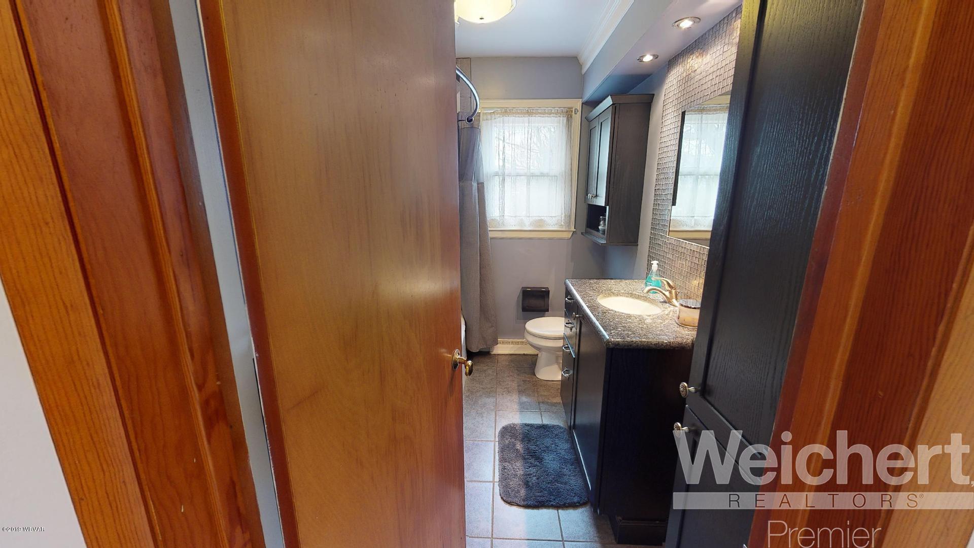 1155 LOUISA STREET,Williamsport,PA 17701,3 Bedrooms Bedrooms,1 BathroomBathrooms,Residential,LOUISA,WB-86989