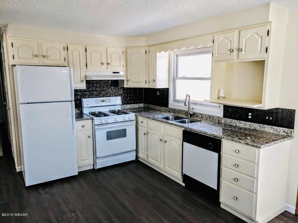 252 GRIMESVILLE ROAD,Williamsport,PA 17701,3 Bedrooms Bedrooms,1 BathroomBathrooms,Residential,GRIMESVILLE,WB-87303