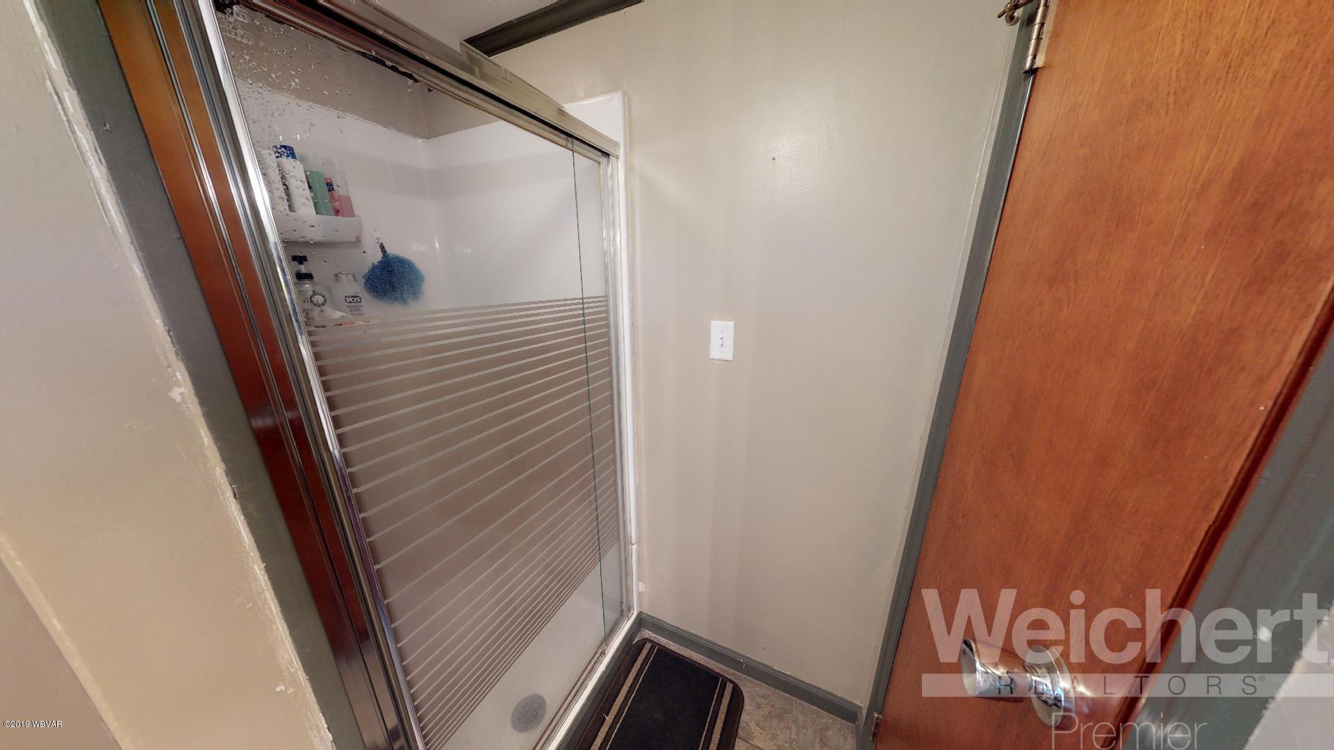 214 ELM STREET,S. Williamsport,PA 17702,3 Bedrooms Bedrooms,3 BathroomsBathrooms,Residential,ELM,WB-87310