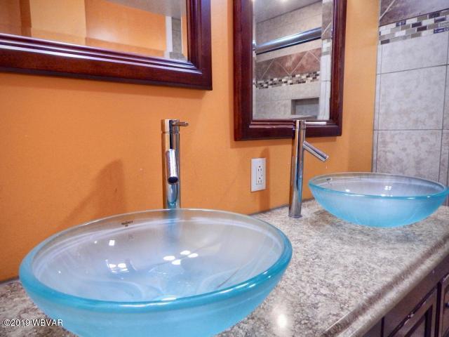 9 WOODSIDE DRIVE,Milton,PA 17847,3 Bedrooms Bedrooms,2 BathroomsBathrooms,Residential,WOODSIDE,WB-87323