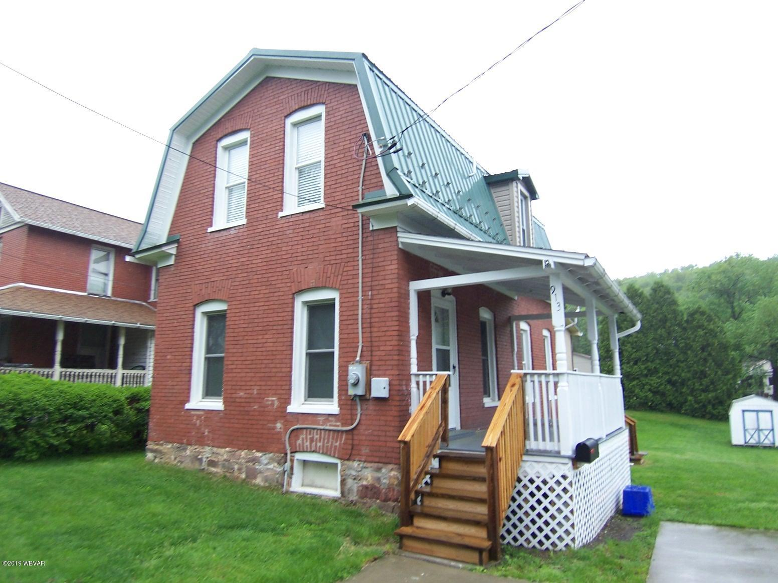 913 4TH STREET,Lock Haven,PA 17745,2 Bedrooms Bedrooms,1 BathroomBathrooms,Residential,4TH,WB-87361