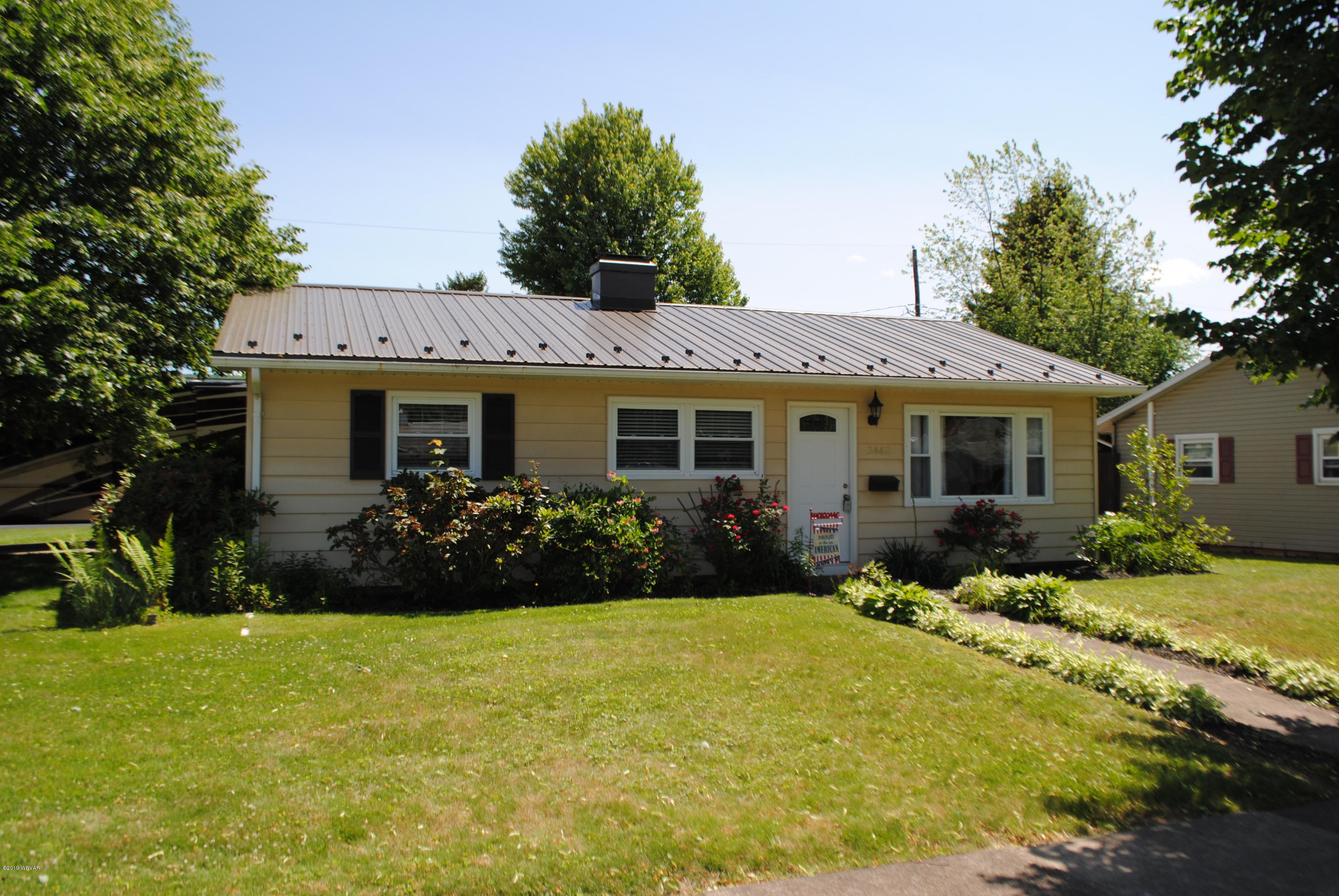 2442 RITCHEY STREET,Williamsport,PA 17701,3 Bedrooms Bedrooms,1 BathroomBathrooms,Residential,RITCHEY,WB-87538