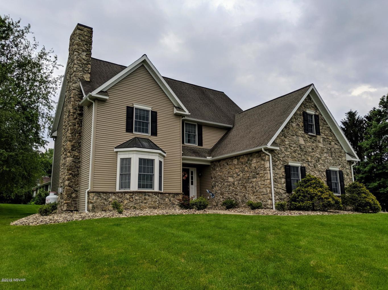42 WALNUT ROAD,Lewisburg,PA 17837,4 Bedrooms Bedrooms,2.5 BathroomsBathrooms,Residential,WALNUT,WB-87592