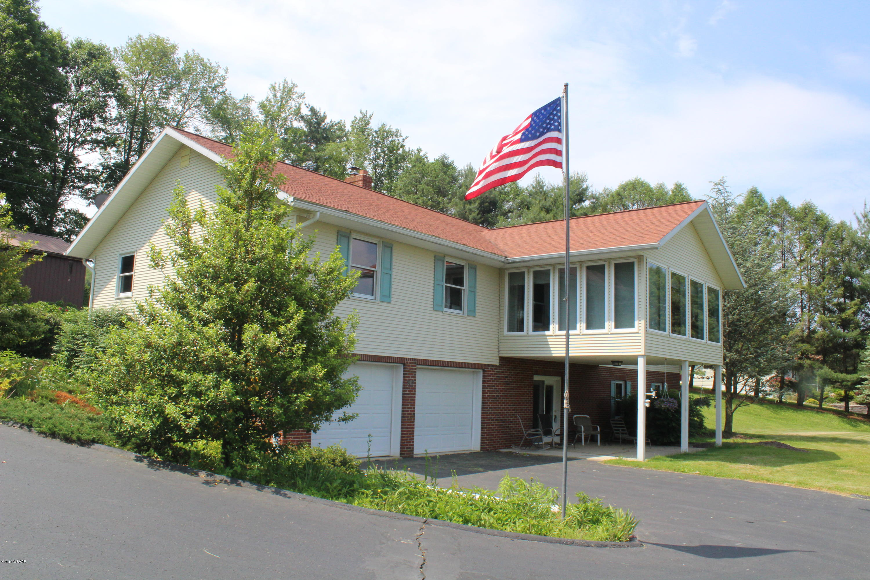 202 SHAW ROAD,Williamsport,PA 17701,3 Bedrooms Bedrooms,2 BathroomsBathrooms,Residential,SHAW,WB-87596