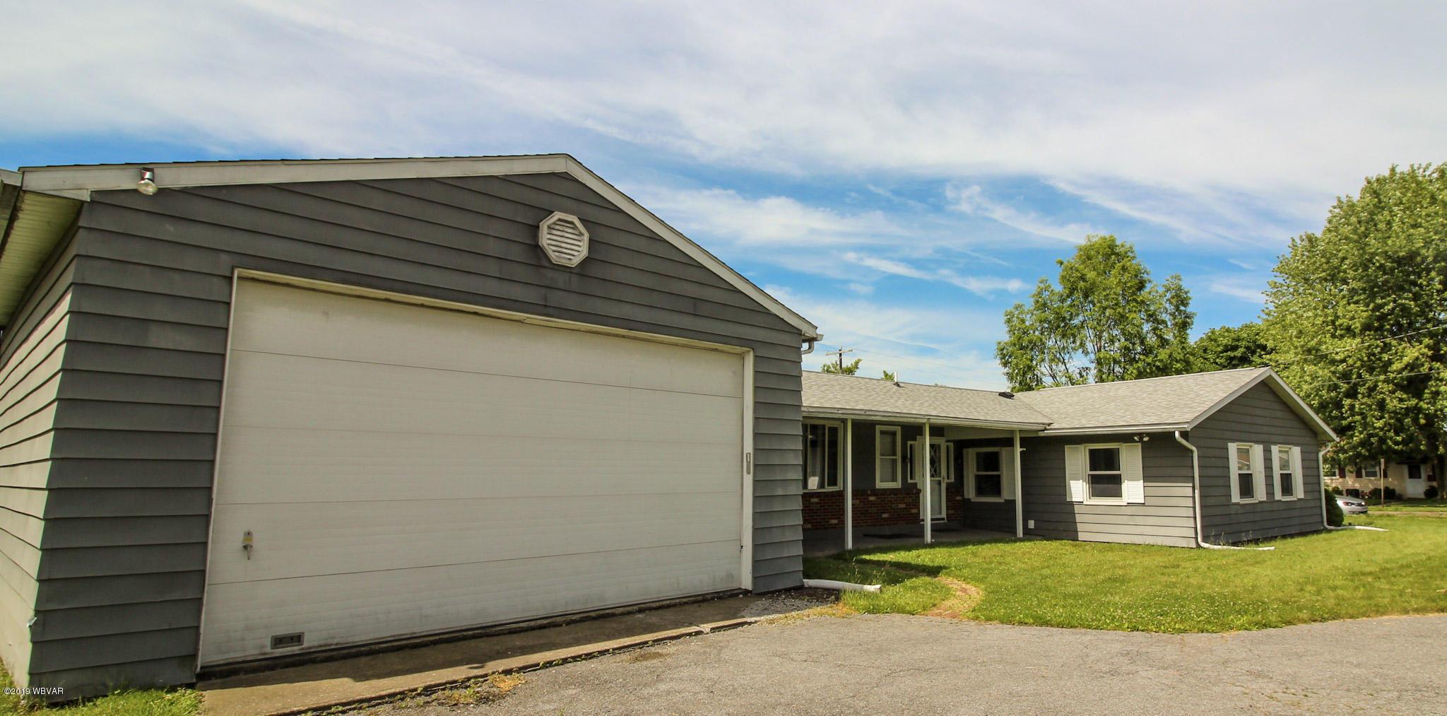 912 ALLEN STREET,Montoursville,PA 17754,3 Bedrooms Bedrooms,1.5 BathroomsBathrooms,Residential,ALLEN,WB-87625