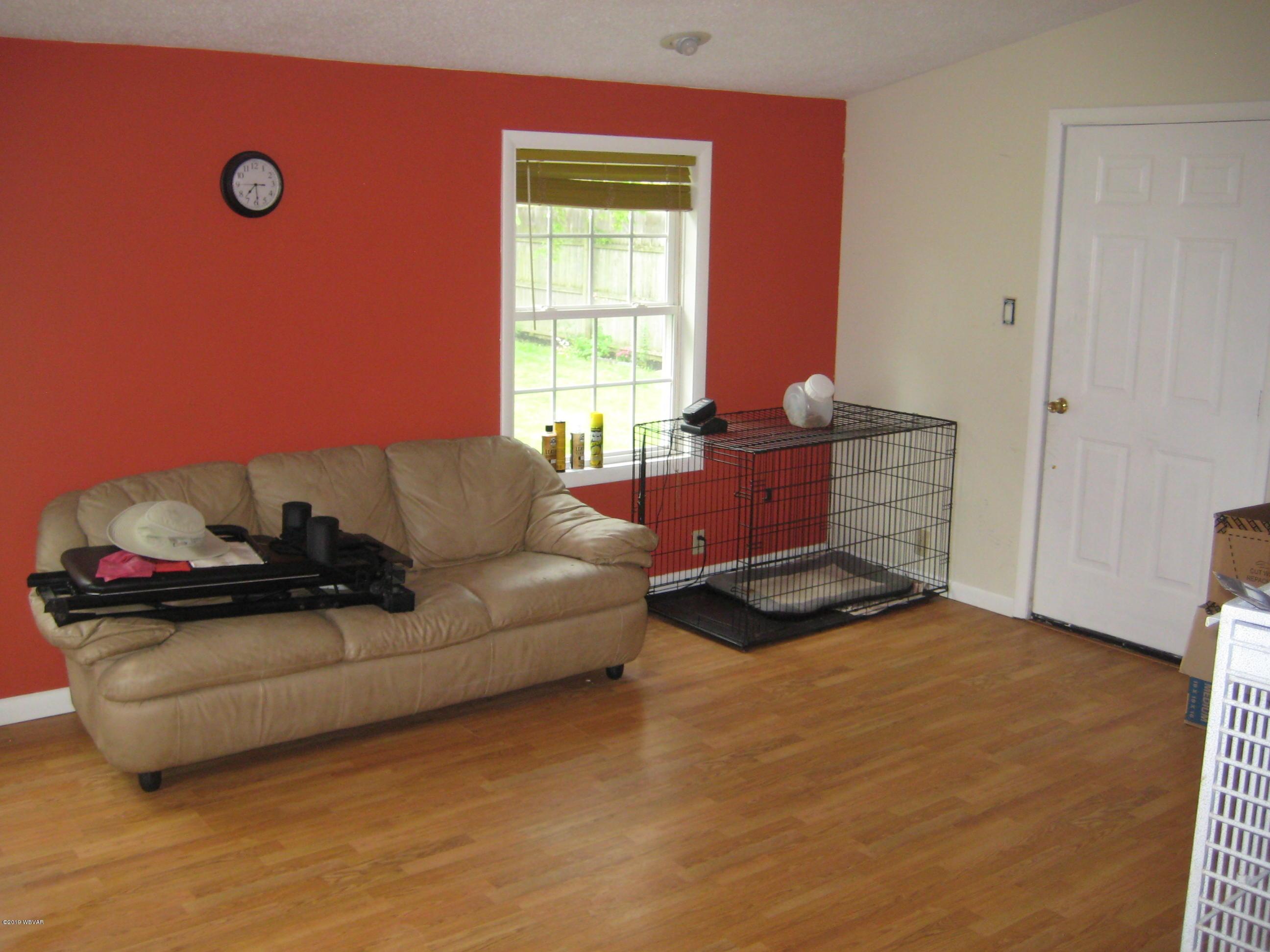 340 TINSMAN AVENUE,Williamsport,PA 17701,3 Bedrooms Bedrooms,1.5 BathroomsBathrooms,Residential,TINSMAN,WB-87630