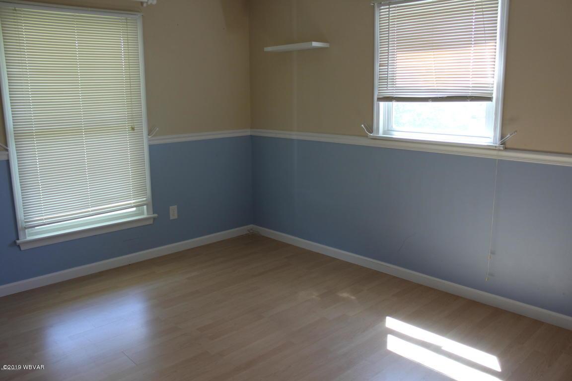106 ARMORY BOULEVARD,Lewisburg,PA 17837,3 Bedrooms Bedrooms,2.5 BathroomsBathrooms,Residential,ARMORY,WB-87624