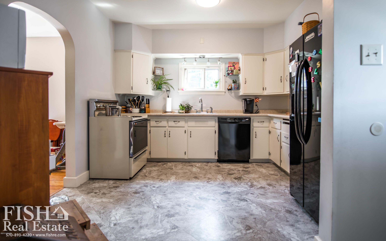 222 HAMPTON STREET,Lock Haven,PA 17745,4 Bedrooms Bedrooms,2 BathroomsBathrooms,Residential,HAMPTON,WB-87959
