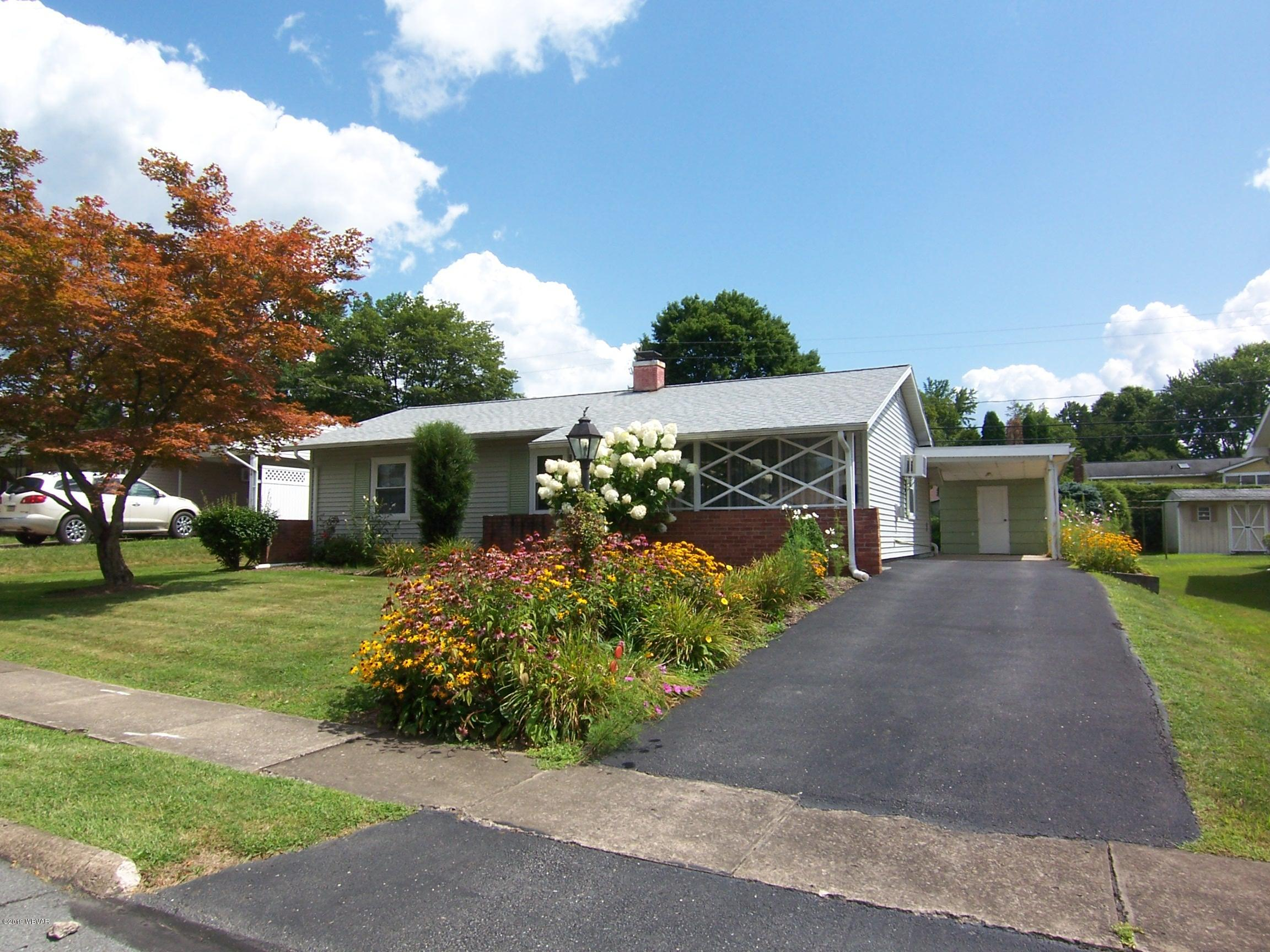 1510 COUNTRY CLUB LANE,Williamsport,PA 17701,3 Bedrooms Bedrooms,1 BathroomBathrooms,Residential,COUNTRY CLUB,WB-88204