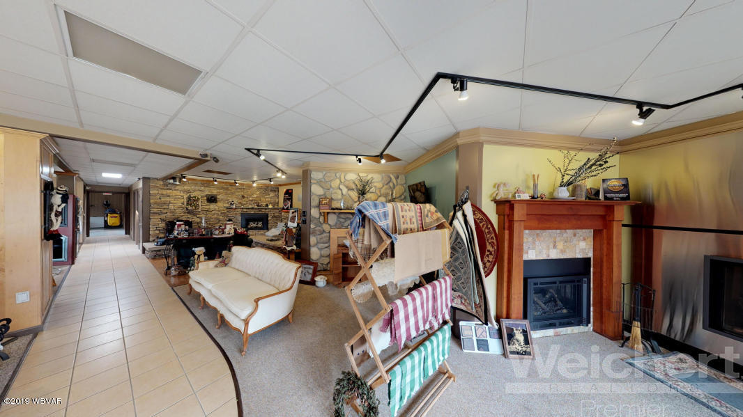 607 CEMETERY STREET,Williamsport,PA 17701,3 BathroomsBathrooms,Commercial sales,CEMETERY,WB-88228